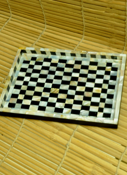 Serving Ware,Indiacraft,Shell craft on Wood Tray -Black & White Chequered Small