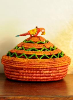 Bhadohi woven baskets,Indiacraft,Bhadhohi Fruit basket- red & orange with green lid   BFBGYB