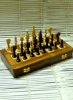Painted wood,Indiacraft,Wooden carved Chess set with Rosewood board - Lotus