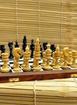Painted wood,Indiacraft,Wooden carved Chess set with Rosewood board - CHLOTS