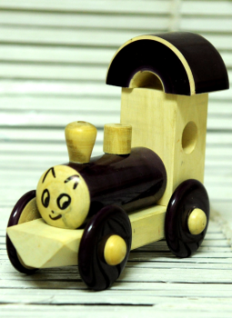 Childrens Toys,Indiacraft,Channapatna wooden toys- Small engine Black