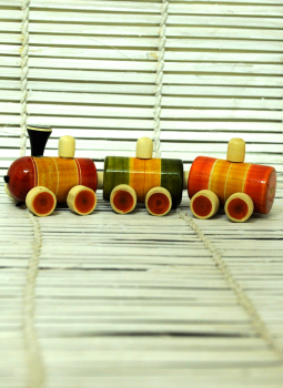 Childrens Toys,Indiacraft,Channapatna wooden toys- Small toy train
