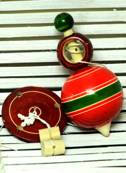 Childrens Toys,Indiacraft,Channapatna wooden toys- Spinning Top and rotating disc set