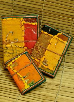 Printed Art forms,Indiacraft,Cloth covered note book set - 3 pcs (CPNSTO)