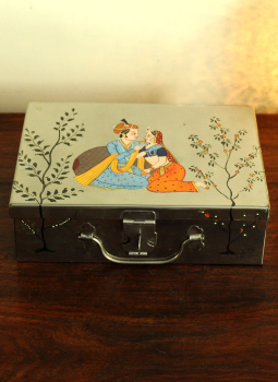 Madhubani Painted Canisters,Indiacraft,Miniature painted Tin Trunk Large  DHS182A
