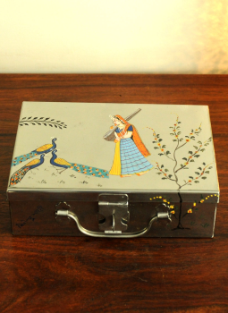 Madhubani Painted Canisters,Indiacraft,Miniature painted Tin Trunk Medium DHS183A