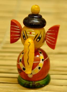Childrens Toys,Indiacraft,Eco-friendly Channnapatna craft- Bobbing Ganesha -Red EFC...