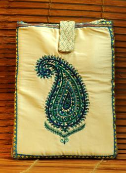 Ipad Covers,Indiacraft,Silk & Jute fine embroidered Ipad case - Cream paisley JG...