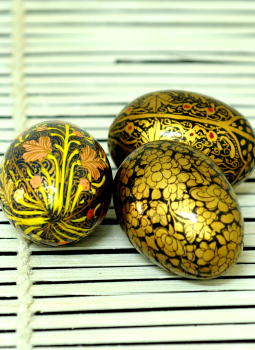 Papier Mache design on wood,Indiacraft,Kashmiri Art Papier Mache Egg - Set of 3