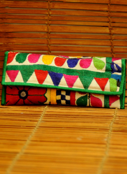 Kutch Embroidered Handbags,Indiacraft,Kutch embroidered Clutch Bag - multicolored   KECBMD