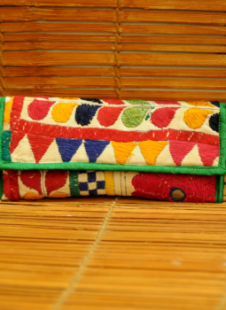 Kutch Embroidered Handbags,Indiacraft,Kutch embroidered Clutch Bag - multicolored   KECBMH