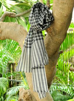 Warm Stoles & Mufflers,Indiacraft,Fine, Soft kashmiri Wool Muffler - Black& White Checks