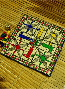 Mabdhubani Pen Stand,Indiacraft,Ludo Board Game