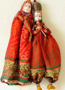 "Rajasthani Puppet,Indiacraft,Rajasthan Puppets Couple   (H- 16"" x W- 6"") RAJPUPD"