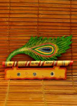 "Painted wood,Indiacraft,Rajasthani art key hanger  (H-6.5"" x L- 11"")"