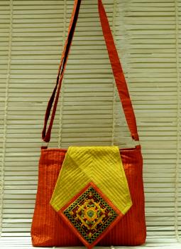 Kutch Embroidered Handbags,Indiacraft,Raw Silk Handbags With The Finest Kutch Embroidery - Diam...