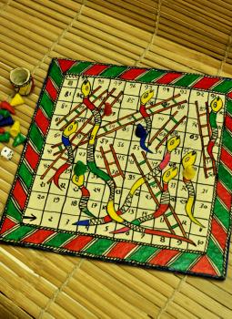 Mabdhubani Pen Stand,Indiacraft,Snakes & Ladders Board Game