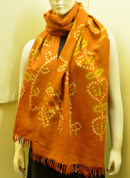 Warm Stoles & Mufflers,Indiacraft,Rust Bandhini woolen stole with tassles - leaf motif
