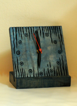 Embellished wood,Indiacraft,Wooden engraved table clock with stand - blue  WETCB