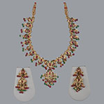 Pearl Necklace Sets,Mangatrai,41.180gms Pearls Necklace Set in 22kt. Gold