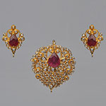 Polki Locket Sets,Mangatrai,3.74ct. Polki Locket Set in 22kt. Gold
