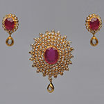 Polki Locket Sets,Mangatrai,3.77ct. Polki Locket Set in 22kt. Gold